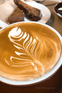 街中の小さなカフェ@2018Sydney - TAMAの卵