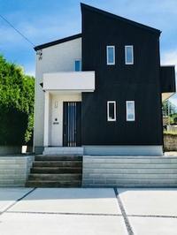 建売住宅の擁壁+コンクリート駐車場完成!! - アヴェニュー佐久平の日常