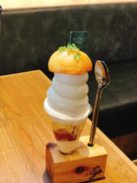 桃パフェ 食べ比べ - lalala♪kitchen