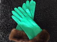 緑色の手袋はイヴサンローラン - ダイアリー
