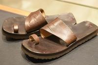 大人なサンダルが欲しい。 - シューケアマイスター靴磨き工房 銀座三越店