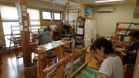 賑やかな教室&Hさんのオーバーショット - 大分手織物語り