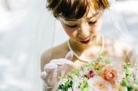 卒花嫁様アルバムパレスホテルの花嫁様より、紅茶色のブーケとウェディングフォト - 一会 ウエディングの花