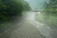 雨時々川霧 - デジタルで見ていた風景