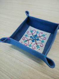 完成には長い道のりです - 手刺繍屋 Eri-kari(エリカリ)