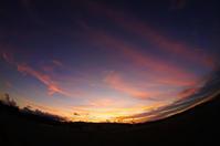 平成8月最後の夕暮れ(1)。 - 青い海と空を追いかけて。