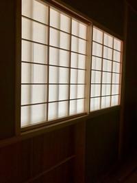 連子窓と躙り口 - 日々タカラモノ