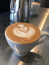 ラテアート Training - Coffee Seeker (コーヒー、カフェ、ライフスタイル情報)