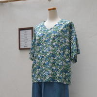 リバティプリントのTシャツで秋をおしゃれに - dia grande by MOUNT BLUE