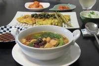 お豆のスープと豚バラ&チーズのチヂミ - Mme.Sacicoの東京お昼ごはん