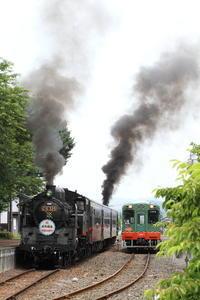 2両の機関車が黒煙をあげる- 真岡・2018年PP - - ねこの撮った汽車