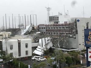 台風21号が襲来 - にょろすけのブログ