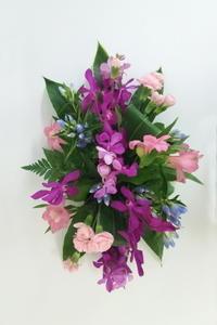 8月のNHK文化センター普通科の花は「オーバル」 - クレッセント日記