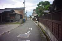 鶴岡市三光町の寺小路 - 「 ボ ♪ ボ ♪ 僕らは釣れない中年団 ♪ 」Ver.1