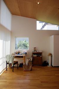 ハイサイド窓/バーチカルブラインド/11坪の平屋/岡山 - 建築事務所は日々考える