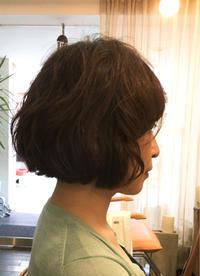 髪質のよい女性にパーマをかける。 - 吉祥寺hair SPIRITUSのブログ