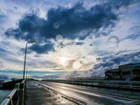 台風の余韻の残る空 - シセンのカナタ