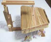 多機能アヤタカのミャオ角紐式 - オルサのミニ手織機・卓上組紐台