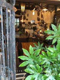 """Flower  cafe"" -  Flower and cafe 花空間 ivory (アイボリー)"