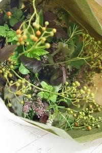 秋のハーブブーケ♪ - お花に囲まれて
