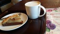カフェの席 - 歌い手菅野千恵のaround me