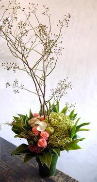 飲食店のオープンに。「癒やされるイメージで」。藻岩下1にお届け。2018/09/04。 - 札幌 花屋 meLL flowers