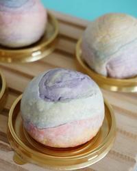 【レインボー月餅】 - ふくすけのコネコネ 編み編み てくてく日記