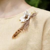 ルチルクォーツと羽のブローチ4422 - natural essence : EKO PROJECT