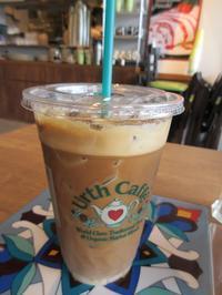 【Urth Caffe】新規開店したアースカフェで巨大サンドイッチ - お散歩アルバム・・冬本番