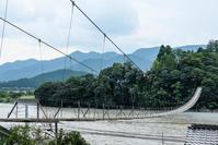 吊り橋 - 長い木の橋