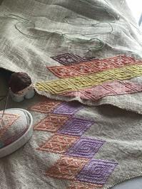 あっちもこっちも - 手編みバッグと南部菱刺し『グルグルと菱』