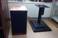 今日の復興作業:スピーカー下ろしと本棚横置きの余震対策 - 照片画廊