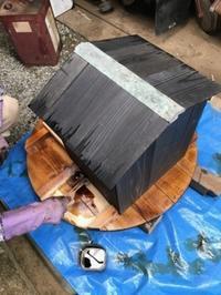 井戸の蓋とポンプ小屋に防腐剤を塗って やっと完成 - 島暮らしのケセラセラ