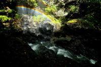 虹のかかる流れ上谷 - 峰さんの山あるき
