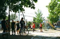 臨時休校でハイテンションの小学生と地震後初登校 - 照片画廊