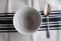 【バスク地方のテーブルリネン】 - Plaisir de Recevoir フランス流 しまつで温かい暮らし
