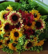 奥様のお誕生日のお祝いの花束椿山荘の卒花嫁様へ、旦那様より - 一会 ウエディングの花