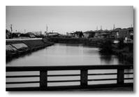 川と共に。 - 気まぐれフォト