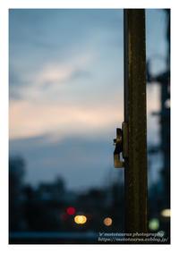 跨線橋の窓 - ♉ mototaurus photography