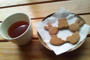 """""""あぶぶ""""のおやつは「きな粉クッキー」 -"""