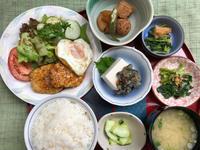 鶏つくね&目玉焼き★(^^♪・・・・・700円ランチ - 日だまりカフェ