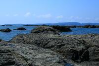 沖の岩場から PERT1 - ゆる鉄旅情