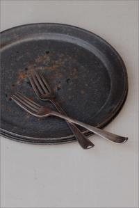 枯淡釉9寸リム皿 - なづな雑記