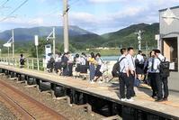 藤田八束の鉄道写真@爽やかな季節の訪れと鉄道、「青い森鉄道」の楽しさ・・・行ってみたいところ奥入瀬、八甲田、青森には自然がいっぱい - 藤田八束の日記