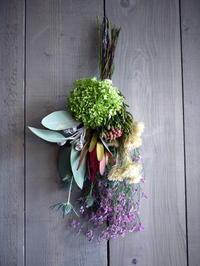 おばあちゃんに、敬老の日のスワッグ。2018/09/14。 - 札幌 花屋 meLL flowers