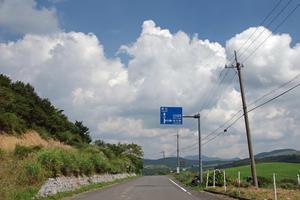 夏の終わりのソロキャンプ旅。その4、大野ヶ原~姫鶴平へ - Bicycle Touring Photo Gallery.