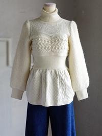 ロマンティックな白いセーターが好物です。 - 美人レッスン帳 BELA VISTA編