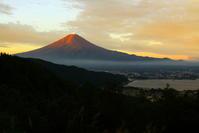 30年9月の富士(6)母の白滝の赤富士 - 富士への散歩道 ~撮影記~