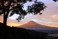 30年9月の富士(7)母の白滝の朝の富士 - 富士への散歩道 ~撮影記~