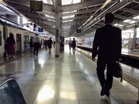 巾着田に行こうとしてますが、電車の連絡悪くて、飯能で30分以上待合せ - 設計事務所 arkilab